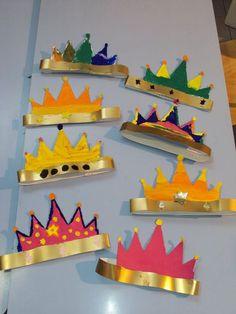 Fun Crafts For Kids, Diy And Crafts, Paper Crafts, Paper Hat Diy, Castle Crafts, Fairy Tale Crafts, Twelfth Night, Church Crafts, Diy Hat