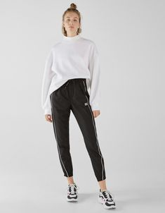 Discover this and many more items in Bershka with new products every week Urban Chic, Fashion Killa, Girl Fashion, Womens Fashion, Polyvore Moda, Sporty Outfits, Summer Outfits, College Fashion, Kawaii Fashion