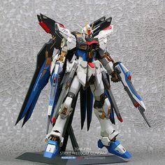 PG 1/60 Strike Freedom Gundam - Customized Build
