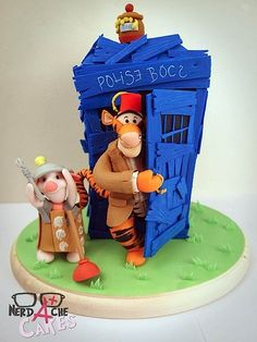 Doctor Who Winnie the Pooh cake by NerdAche Cakes! I am not a huge fan of Winnie the Pooh but I totally want this cake! Oooo I would put Eeyore there too and give him a smile because who wouldn't be happy with the doctor? Geeks, Doctor Who Cakes, Tardis Cake, Dalek Cake, The Doctor, Eleventh Doctor, Winnie The Pooh Cake, Gateaux Cake, Cake Wrecks