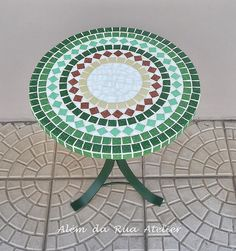 Mosaic Tile Designs, Mosaic Patterns, Mosaic Pots, Mosaic Tiles, Stained Glass Paint, Circle Pattern, Outdoor Projects, Interior Decorating, Outdoor Blanket