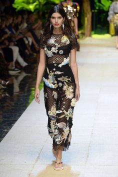 Dolce & Gabbana | Ready-to-Wear Spring 2017 | Look 72