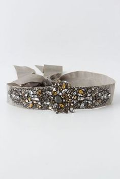 Want a chic holiday sweater? Add this belt to your basic creme or black sweater for an elegant look. Sparkly Belts, Diy Accessoires, Boho Accessories, Fashion Belts, Belts For Women, Belt Buckles, Cuff Bracelets, Jewels, Crystals