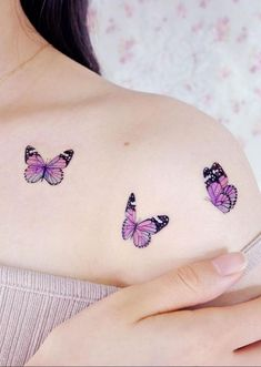 Butterfly tattoo is not only beautiful, its beautiful meaning is loved by everyone. Butterfly is a symbol of flexibility and transformation. Butterfly tattoo is worth having. Dainty Tattoos, Pretty Tattoos, Beautiful Tattoos, Small Tattoos, Rose Tattoos, Flower Tattoos, Dream Tattoos, Mini Tattoos, Body Art Tattoos