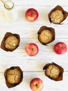 Breakfast muffins - the BEST apple and oat squidgy breakfast muffins, easy weekday breakfast kids just love. #muffinrecipe #easymuffin #applemuffin #applerecipes #kidsbreakfast #easybreakfast #breakfastbake