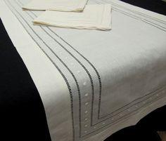 Mantel Camino de Hilo Vainicas Bodoques Bordados Drawn Thread, Cut Work, Bargello, Vintage Fabrics, Home Deco, Textile Art, Hand Embroidery, Needlework, Diy And Crafts