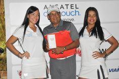 ALCATEL ONETOUCH es el patrocinador principal del TOUR de GOLF CLARO en La República Dominicana. El pasado sábado 26 de Julio acompañamos a los jugadores a dar sus mejores golpes en el famoso campo de golf Diente de Perro de Casa de Campo, donde se disputaron los 4tos para ir a la gran final del Tour.