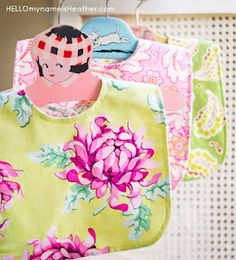 Free bib pattern for DIY and quilt patterns (lovely fabrics)