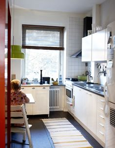 Image of Avanti Compact Kitchen Design Opening Small Space for Comfortable Spot