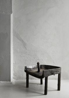 Oliver Gustav | stool | bronze