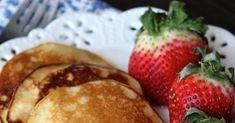 Quick Almond Flour Pancakes Healthy Gluten Free Recipes, Foods With Gluten, Ww Recipes, Brunch Recipes, Low Carb Recipes, Cooking Recipes, Snacks Recipes, Healthy Snacks, Breakfast