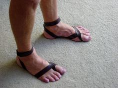I want to learn to make my own barefoot sandals . to trick people into thinking I'm wearing shoes . so I don't get kicked out of Starbucks all the time Spartacus Tv, Diy Fashion, Mens Fashion, Going Barefoot, Hippie Love, Bare Foot Sandals, Health And Wellness, Legs, How To Wear