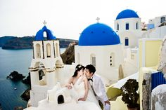 PRE WEDDING PHOTO SHOOT IN SANTORINI - WING AND LORNE
