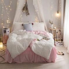 Velvet Bedding Sets, White Bedding, Duvet Cover Sizes, Duvet Covers, Bed Sheet Sizes, Minimalist Bed, Girls Bedding Sets, King Duvet, Quilt Cover