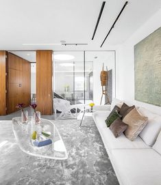 London Penthouse Renovation for a Young Art-Collector Couple