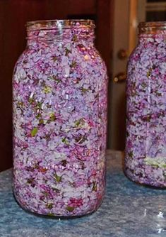 While the lilac blooms, fill the jar with a Пока цветет сирень заполните банку растите… While the lilac blooms, fill the jar with vegetable oil and purple flowers - Herbal Remedies, Natural Remedies, Beauty Care, Beauty Hacks, Health Benefits, Health Tips, Vegetable Drinks, Medicinal Plants, Herbal Medicine