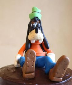 How we made Goofy out of Fondant/gumpaste - by Pam and Nina's Crafty Cakes @ CakesDecor.com