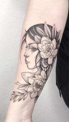 200 Fotos de tatuagens femininas no braço para se inspirar - Fotos e Tatuagens Cute Tattoos For Women, Great Tattoos, Beautiful Tattoos, Creative Tattoos, Feather Tattoos, Hand Tattoos, Sleeve Tattoos, Tatoos, Tattoo Gesicht