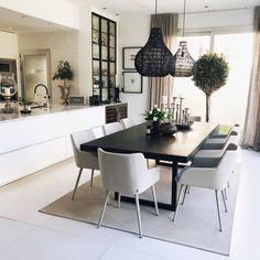 Boho Dining Room, Living Room Inspo, Dinning Room Decor, Table Decor Living Room, Home Decor, Home Deco, Room Decor Bedroom, Dining Room Design Modern, Beige Dining Room