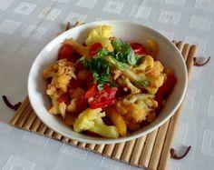 Potato Salad, Potatoes, Chicken, Meat, Ethnic Recipes, Food, Hands, Potato, Essen