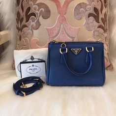Please Note All The Pre-loved ( Used/Second Hand) Items Are 100% Authentic!!    In order to secure both parties, you can ask me for more detailed photos of the item and check its Authenticity.    All items available for Worldwide shipping    Feel free to ask if there's any question.    🎀Contact Us🎀    Email:13502874040@163.com    Facebook: Molly Zhang    WeChat: molly5353    Line:+1 7785836678    WhatsApp:+86 13502874040    Instagram: luxury_loverrrr    Prada…