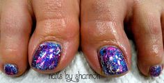 Gorgeous foiled toes!  www.facebook.com/nailsbyshannonu