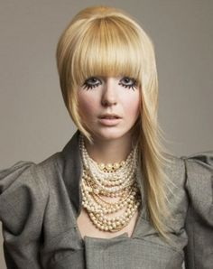 This fabulous long asymmetrical hair style is a bold and chic option to make a stylish change in your appearance. Train yourself to make a real style statement with your unconventional haircut. Cute Bob Hairstyles, Edgy Haircuts, Trending Haircuts, Cut My Hair, Long Hair Cuts, Hair And Makeup Tips, Hair Makeup, Long Asymmetrical Hairstyles, Locks