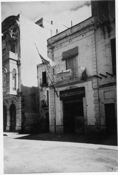 Façana del pòsit de pescadors de Palamós ( Girona). 1942. Autor desconegut. 27646F MMB Angler Fish, Author