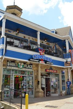 Crawdaddy's Restaurant and Oyster Bar. Good Food and Great times. #Gatlinburg #Tennessee #dining