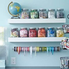 Mason Jar Crafts – How To Chalk Paint Your Mason Jars - Steaten Mason Jar Storage, Mason Jar Diy, Mason Jar Crafts, Sewing Room Decor, Sewing Room Organization, Organization Ideas, Storage Ideas, Diy Home Decor Projects, Diy Projects To Try