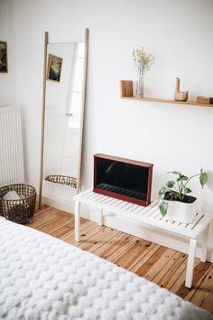 So Hat Christoph Kümmecke Seine Schlafzimmerecke Eingerichtet!  #Aufbewahrung #Einrichtung #Schlafzimmer #skandinavisch
