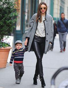 ミランダ・カーと息子フリンの親子スナップ