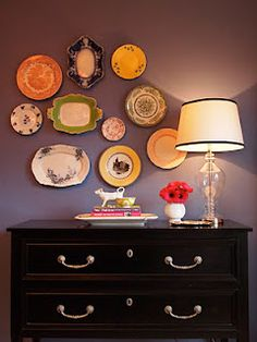 plates = wall art! I love this, I have a collection started for my lil miss!