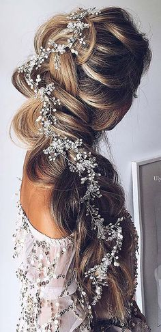 cool 135 Stunning Bohemian Wedding Hairstyle Ideas Every Women Will Love https://viscawedding.com/2017/06/24/135-stunning-bohemian-wedding-hairstyle-ideas-every-women-will-love/