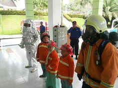 Perpustakaan Bunga Bangsa ƸӜƷ: Pengenalan dan Latihan Pemadam Kebakaran di kegiat...