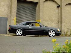 Mercedes-Benz 300 CE: Die dunkle Seite der Pracht: 1990er C124-Coupé mutiert zum Boliden im Brabus-Style - Auto der Woche - Mercedes-Fans - Das Magazin für Mercedes-Benz-Enthusiasten