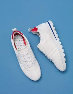 Descubre las últimas tendencias en Zapatillas en Bershka. Entra ahora y encuentra 48 Zapatillas y nuevos productos cada semana
