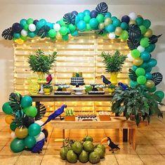 tropical home decor Tropical Party Decorations, Tropical Home Decor, Tropical Interior, Tropical Colors, Tropical Houses, Birthday Party Decorations, Party Themes, Tropical Furniture, Rio Birthday Parties