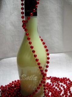 Lichior de Ciocolata Alba   Retete Culinare - Bucataresele Vesele Drinks, Bottle, Smoothie, Food, Magick, Canning, Alcohol, Smoothies, Beverages