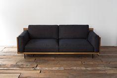 ACME Furniture (アクメファニチャー) オリジナル Original『CORONADO SOFA』のページです。ACME Furniture (アクメファニチャー) オフィシャルサイトではオリジナルアイテムと1点ものヴィンテージを掲載。通販が可能です。