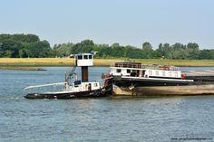 Dan maar duwen 17 juni 2015 op de Nieuwe Waterweg bij Maassluis afvarend het binnenvaartschip CHRISTINA zonder stuurhuis http://koopvaardij.blogspot.nl/2015/06/dan-maar-duwen.html