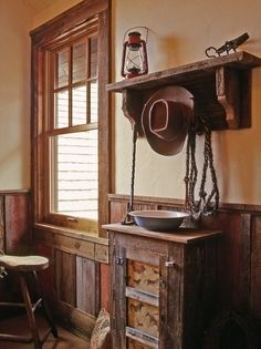 Western home decor ideas decorating wood paneling and window frame design diy . western home decor Interior Exterior, Home Interior, Interior Design, Western Style, Western Cowboy, Country Decor, Rustic Decor, Rustic Chair, Rustic Room