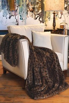Couture Medium Faux Fur Throw - Panther