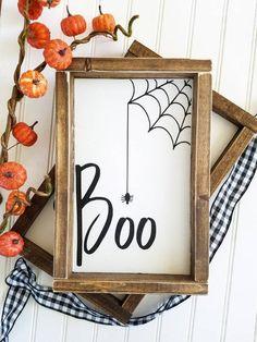Boo Halloween, Halloween Wood Crafts, Halloween Wood Signs, Feliz Halloween, Fall Wood Signs, Farmhouse Halloween, Halloween Home Decor, Diy Halloween Decorations, Holidays Halloween