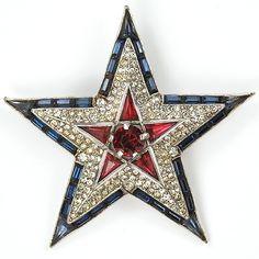 VINTAGE TRIFARI STAR PIN