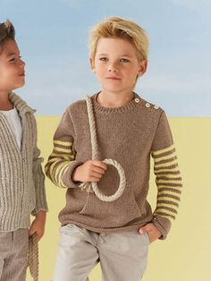 Bergere de France knitting patterns, Bergere de France Summer Magazine - 167, Kangaroo Pouch Sweater, from Laughing Hens