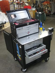Craftsman Rollaway Tool Chest Restoration by Drive, via Flickr