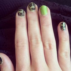 Nail of the Day - Acid Green and Crackle
