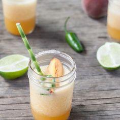 honey peach jalapeno margaritas // dishing up the dirt