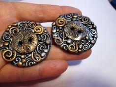 How to make Metallic Spirals polymer clay buttons How To Make Clay, Polymer Clay Jewelry, Diy Tutorial, Spirals, Metallic, Handmade, Buttons, Fimo, Hand Made